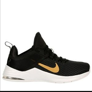 NIKE WOMEN'S AIR BELLA TR2 SIZES 7 AND 8.5